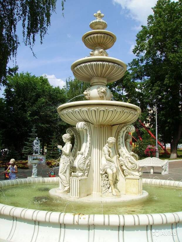 Фонтан из Летнего сада и памятник Ленину продают в Ижевске