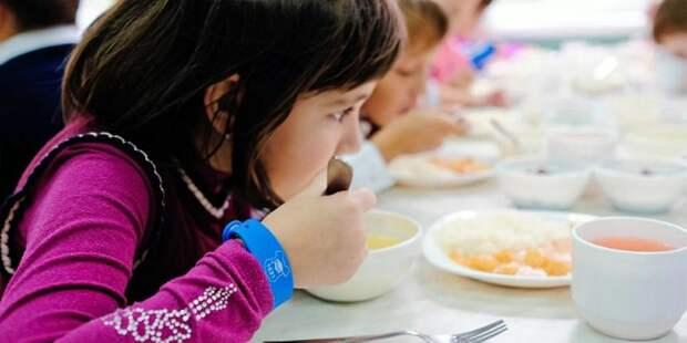 ВЦИОМ представил данные удовлетворенности москвичей качеством школьного питания. Фото: mos.ru