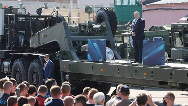 Стоит ли вступаться за Лукашенко: Россия оказалась в сложном положении