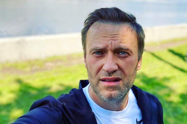 Врачи в Берлине диагностировали отравление у Навального