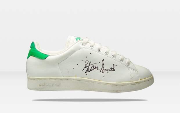 Легендарные кроссовки сново удивляют.