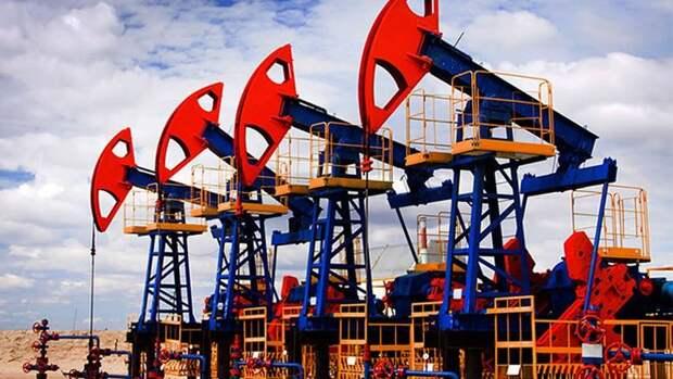 Министры ОПЕК+ хотят начать сокращать добычу нефти раньше срока— СМИ