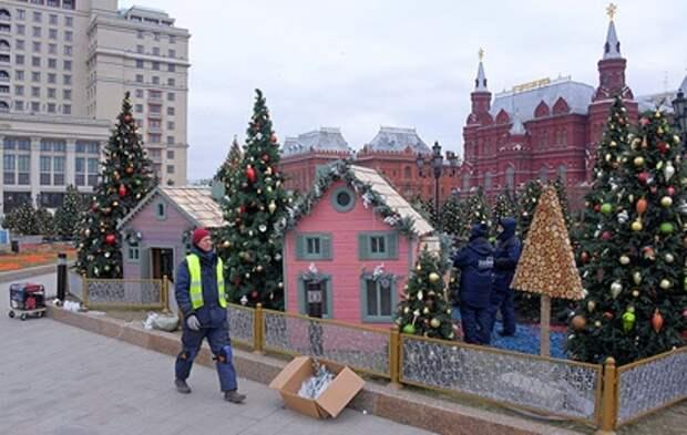 Москву продолжают украшать к Новому году
