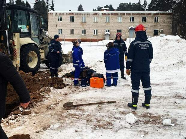 Грунт обвалился в парке Кирова в Ижевске: пострадал 1 человек