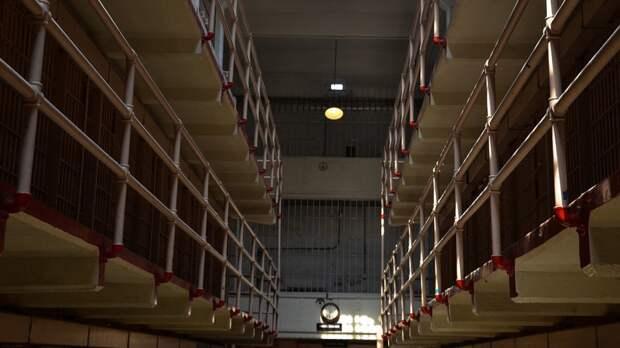 Темнокожий американец по ошибке отбыл 43 года в тюрьме