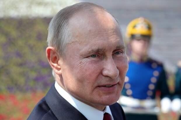 Путин предложил закрепить в учебной программе патриотизм и гражданственность