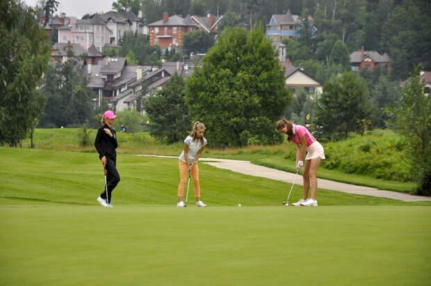 Московская школа гольфа в Куркине объявила о наборе юных спортсменов
