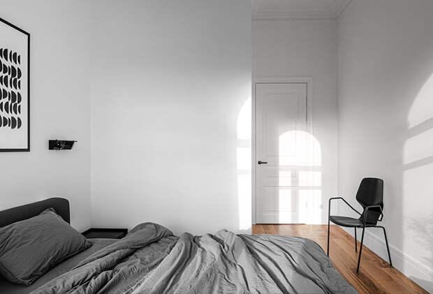 Чистые линии и черно-белый декор: светлая квартира на Подоле в Киеве (75 кв. м)