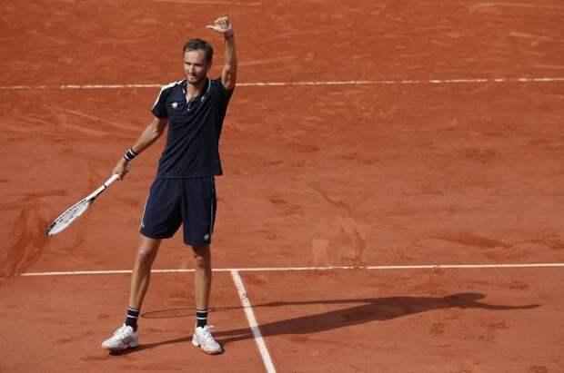 Медведев прошел в четвертьфинал Roland Garros