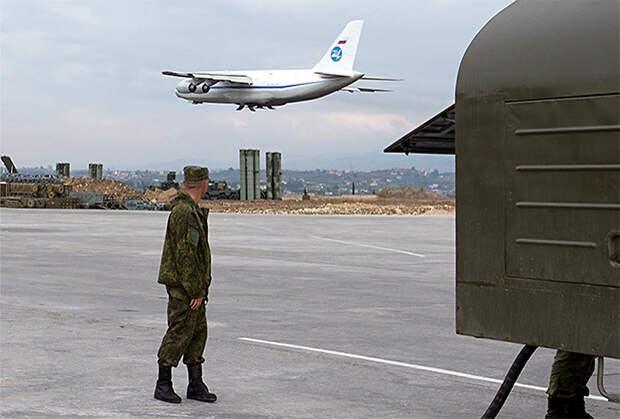 Ан-124 224-го Летного отряда ВВС РФ взлетает с авиабазы Хмеймим
