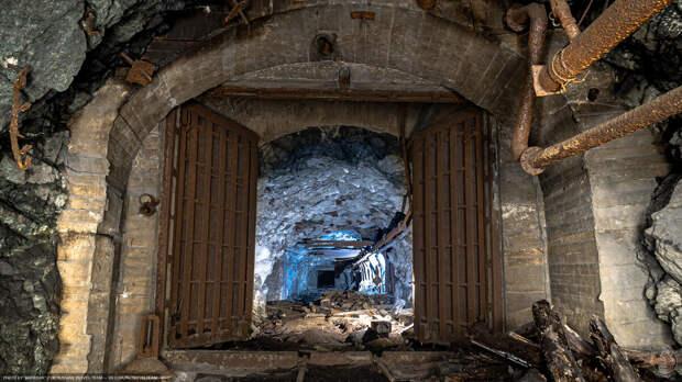 Секция защитных ворот со стороны буро-взрывных работ