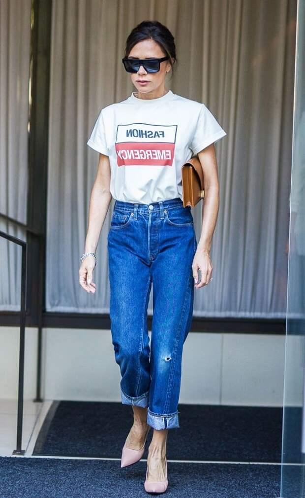 """Victoria Beckham в джинсах """"сигаретах"""""""