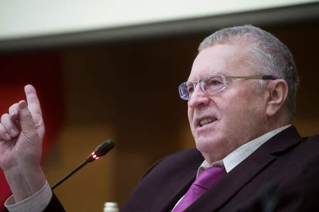 Жириновский на пальцах объяснил, как НАТО приведет Украину к распаду
