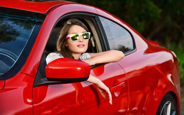 Женщина на подержанном автомобиле: развенчиваем мифы