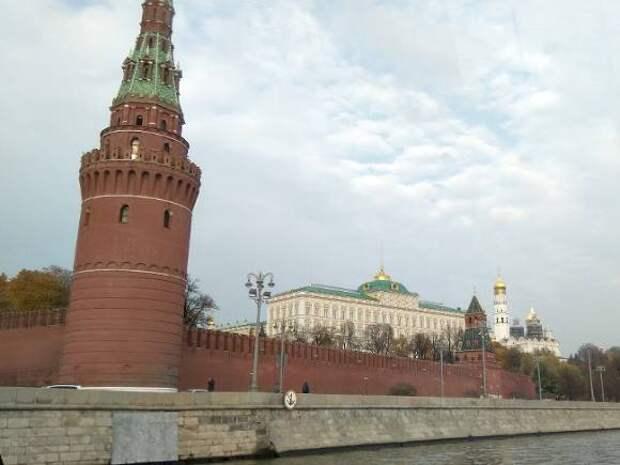 Труп женщины выловили из реки у Москворецкой набережной