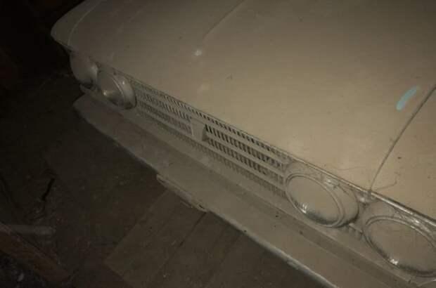 Первое, что увидел Денис, — много пыли barn find, авто, автомобили, москвич, москвич 408, находка, олдтаймер, ретро авто