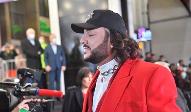 Знаменитую певицу закидали камнями за выступление с Киркоровым