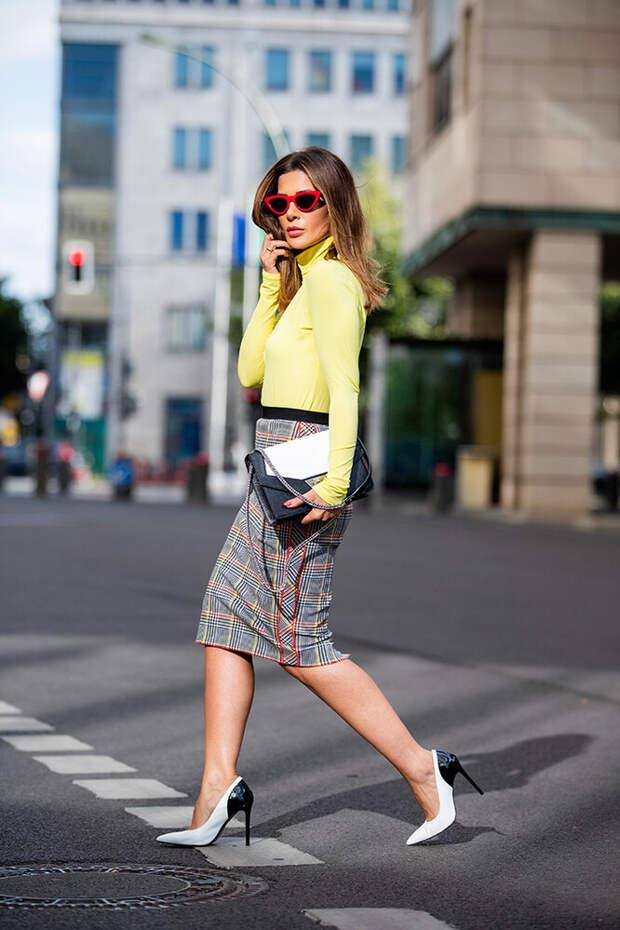 Как правильно носить клетчатую юбку