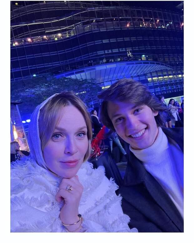 джанабаева с сыном