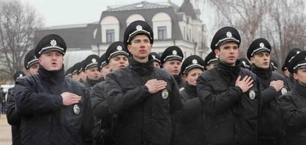 Украинские правоохранители во время мероприятий, посвященных Дню Победы, цеплялись к участникам праздничных мероприятий, но...