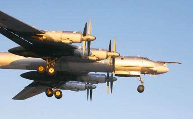 На фото: бомбардировщик Ту-95МС