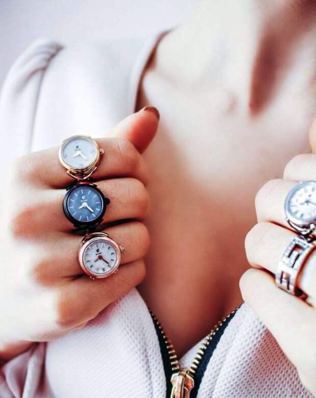 Теперь часы модно носить так