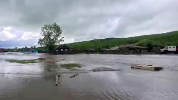 Еще в шести районах Забайкалья ввели режим ЧС из-за паводков