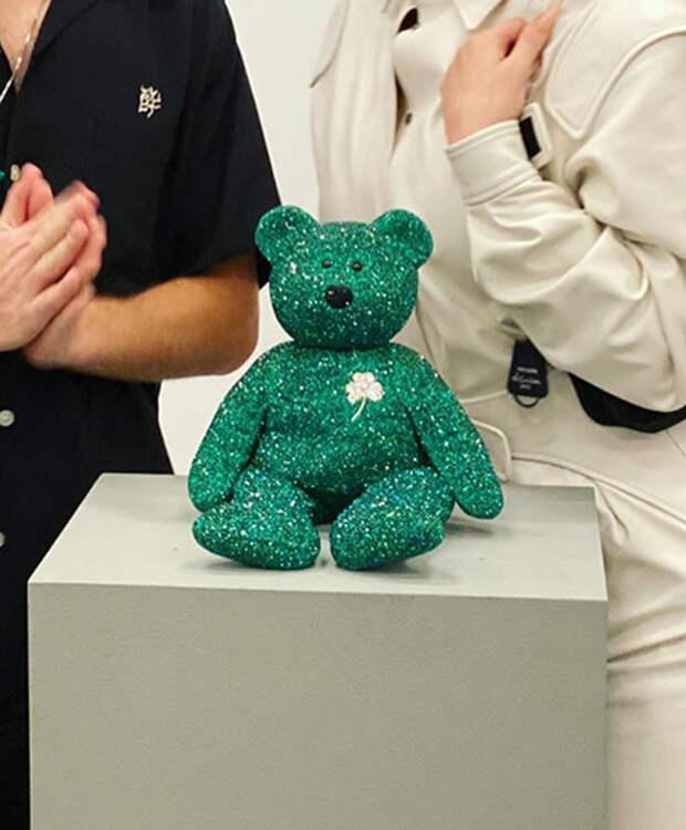 Может себе позволить: Кайли Дженнер купила игрушечного медведя за 12 000 долларов