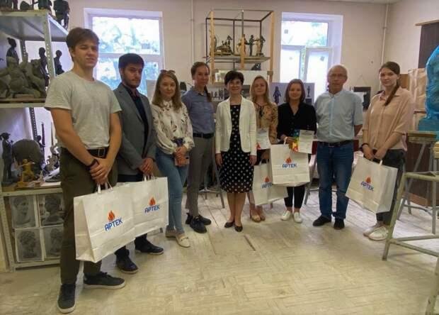 Конкурс скульпторов определил проект будущего памятника Саманте Смит в МДЦ «Артек»