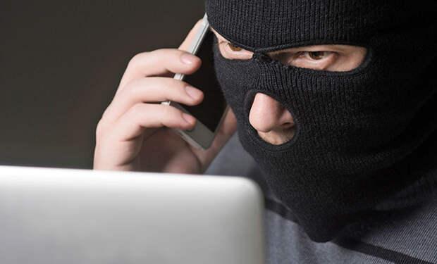Полицейские показали работу телефонного мошенника на видео: за 2 минуты мужчина выманил 2 000 рублей