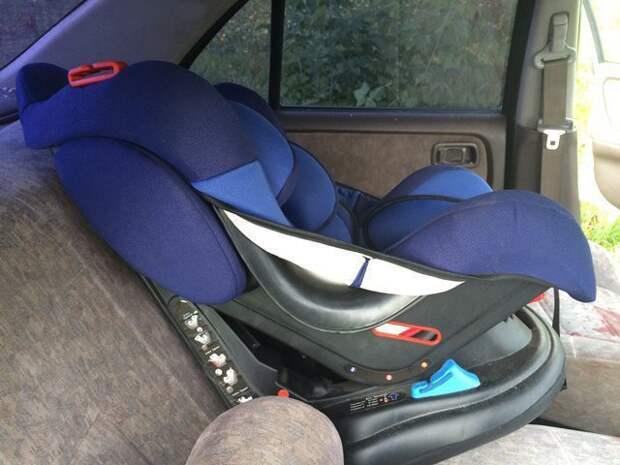 Красноярцы массово пренебрегают безопасностью детей в авто