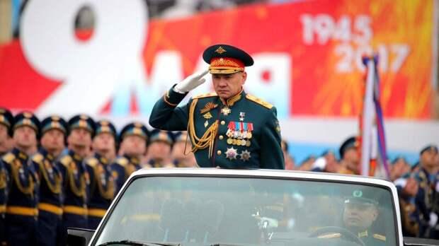 Министр обороны РФ поздравил ветеранов и военных с Днем Победы