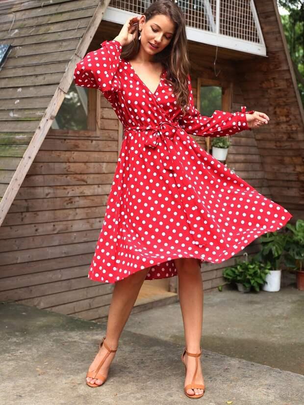 Три модели платьев, которые придают женщине особую романтичность