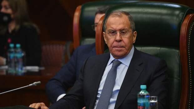 Лавров высказался против применения санкций и силы в обход ООН