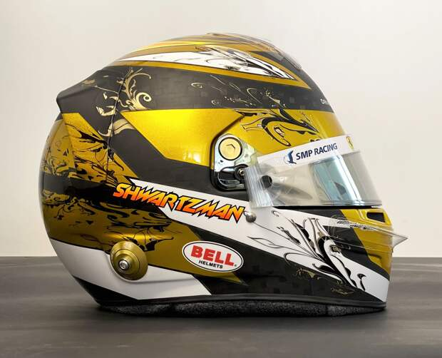 Шварцман представил шлем для «Ф-2»: «24-каратное золото»