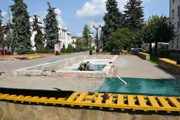 В Тамбове продолжают ремонтировать фонтаны