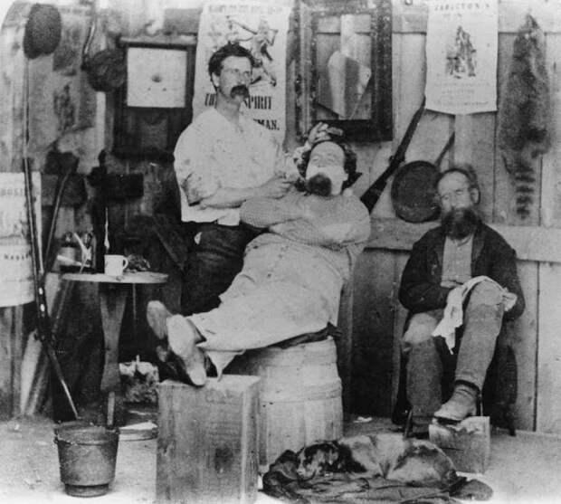 Как выглядели барбершопы вконце XIX— началеXX века