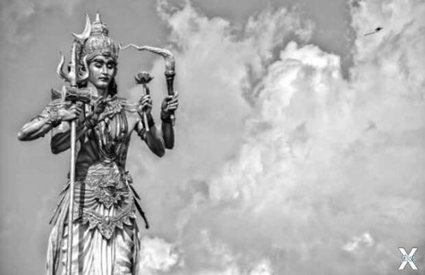 Статуя Шивы в Индонезии