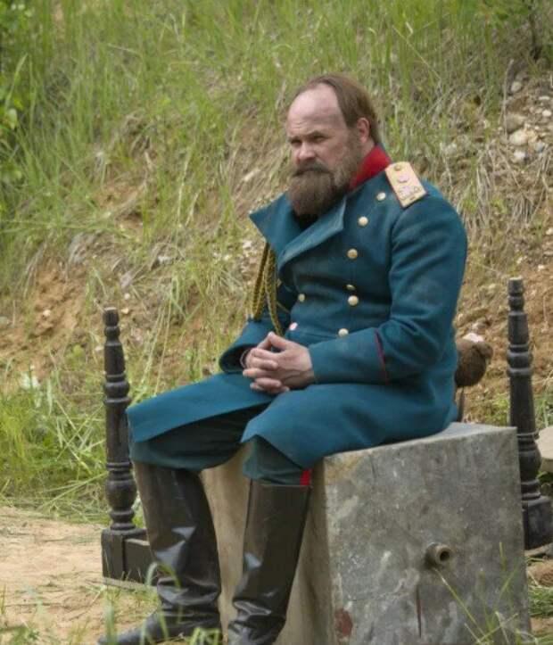 Какой русский царь гнул в узел вилки, но не вел при этом ни одной войны