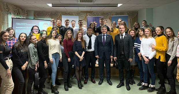 Диалог на равных: Дмитрий Ламейкин встретился со студентами-экономистами