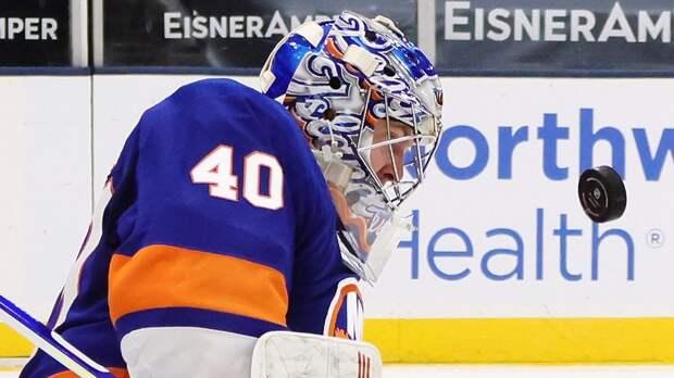 28 сэйвов Варламова помогли «Айлендерс» победить «Бостон» и сравнять счет в серии плей-офф НХЛ