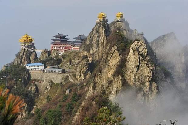 Настоящая азиатская культура и архитектура осталась в провинциях. /Фото: sohucs.com