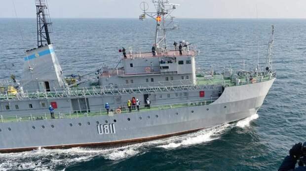 """""""Готовы подставить плечо"""": российские моряки могли спасти пробитое украинское судно"""
