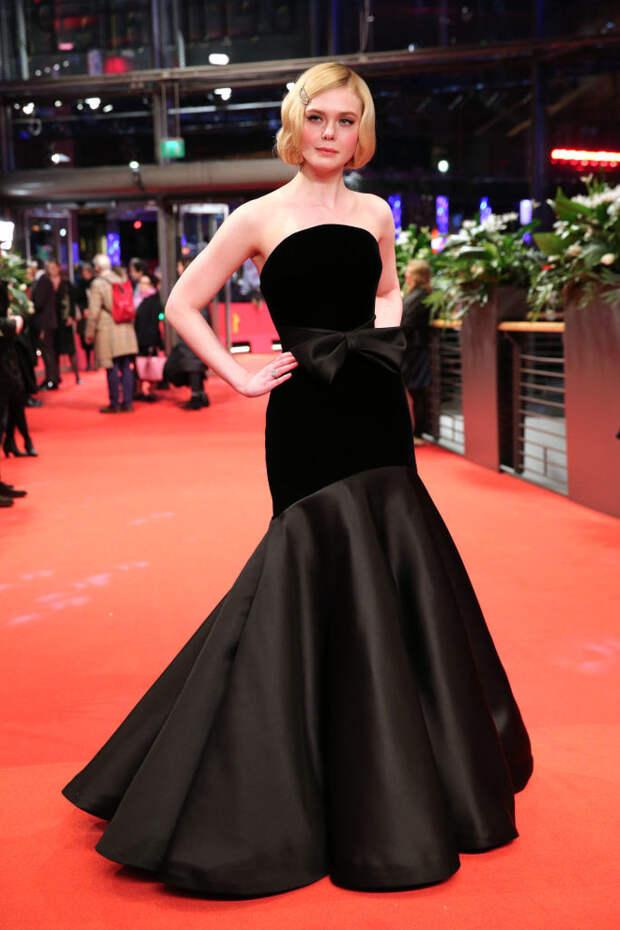 Эль Фаннинг в платье Armani Privé на премьере нового фильма