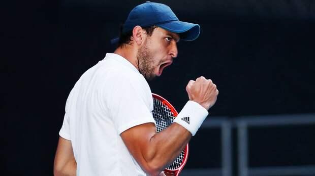 Карацев победил Шварцмана и вышел в 4-й круг Australian Open