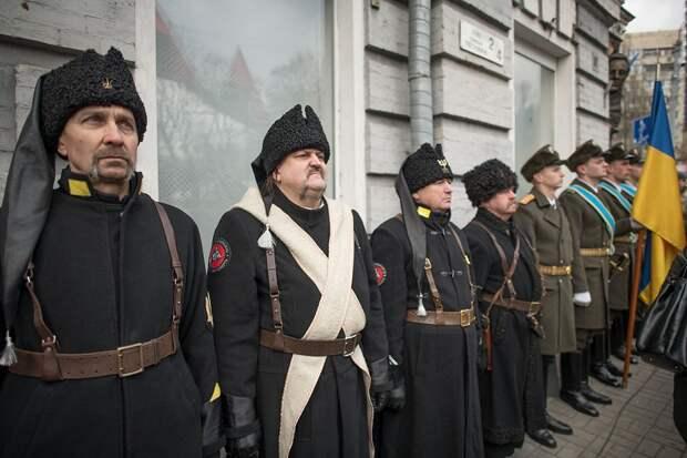 Большевики имели дело уже с националистической Украиной