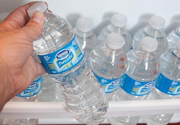 Минеральная вода делает тесто воздушным и нежным / Фото: pbs.twimg.com