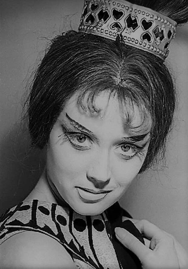 Маргарита Терехова в образе Клеопатры.