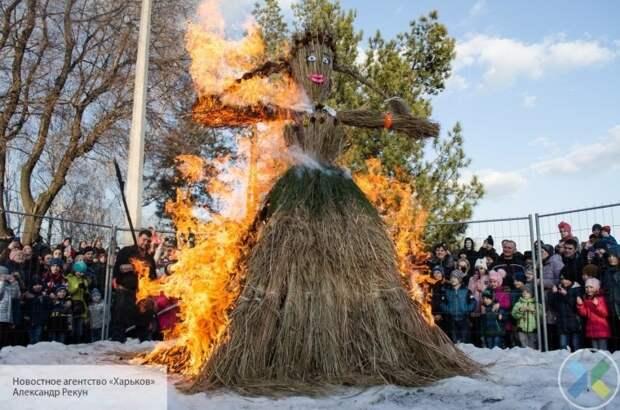 Праздник жизни в условиях войны: Донецк песнями и плясками отметил Масленицу