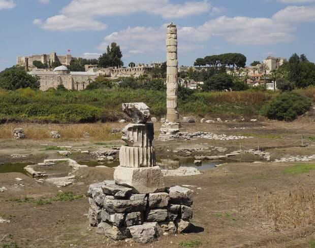 4 памятника истории, которые люди разрушили из-за своей глупости